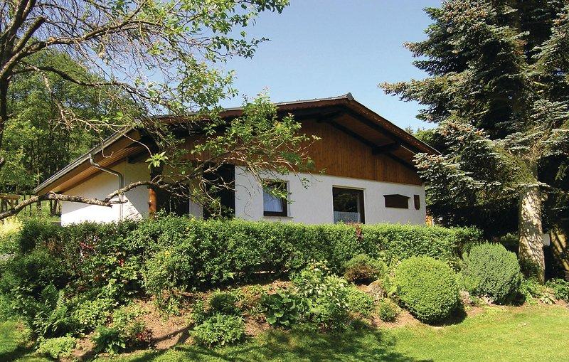 Beautiful home in Dautphetal w/ 2 Bedrooms (DHE003), casa vacanza a Biedenkopf