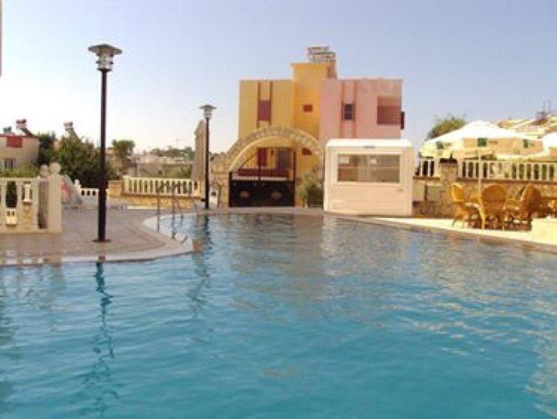 Big 2 bed apt, 6+2 persons (HS), location de vacances à Mavisehir