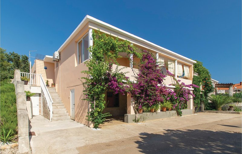 Nice home in Cara with WiFi and 2 Bedrooms (CDS543), holiday rental in Cara
