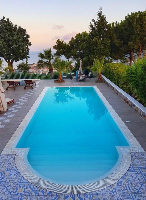 piscina y panorama