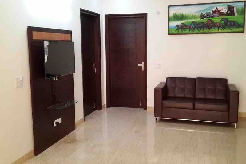 Indira Homes (Bedroom 6), holiday rental in Manesar