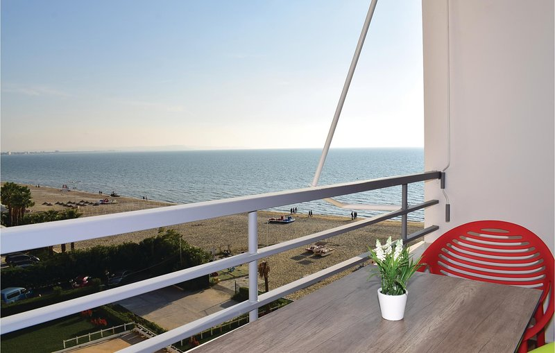 Beautiful home in Durres w/ WiFi and 2 Bedrooms (ALD116), holiday rental in Kryemëdhej