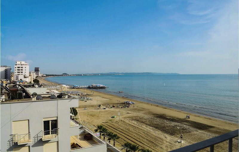 Nice home in Durres w/ WiFi and 2 Bedrooms, holiday rental in Kryemëdhej