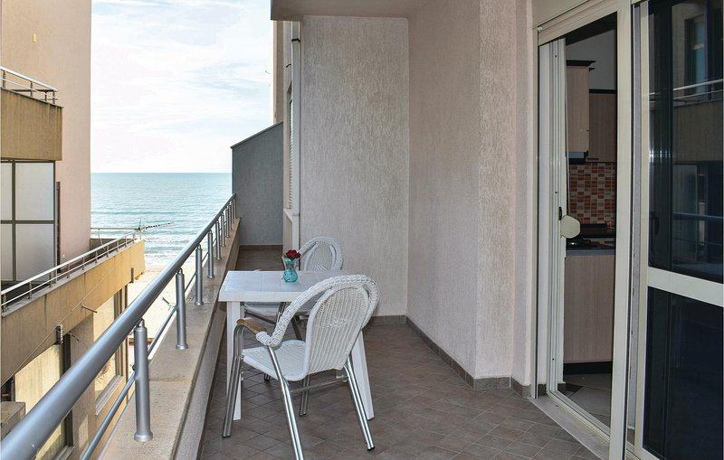 Nice home in Durres w/ WiFi and 1 Bedrooms (ALD125), holiday rental in Kryemëdhej