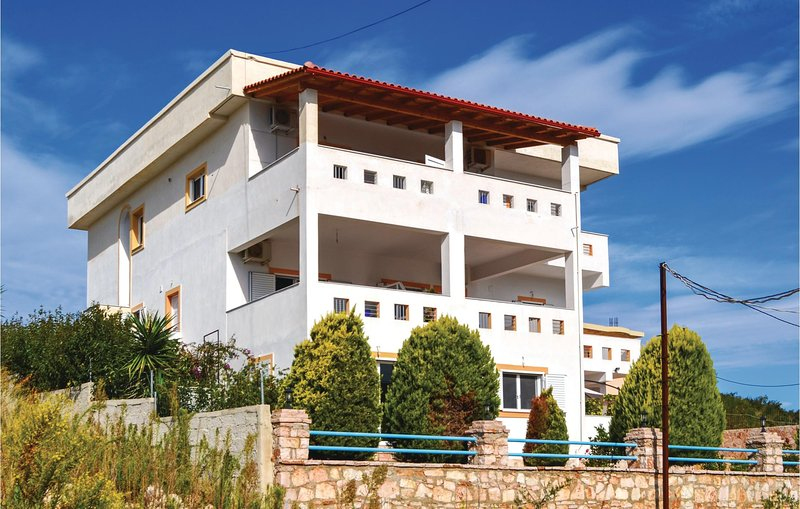 Stunning home in Ksamil w/ WiFi and 1 Bedrooms (ALS122), holiday rental in Saranda