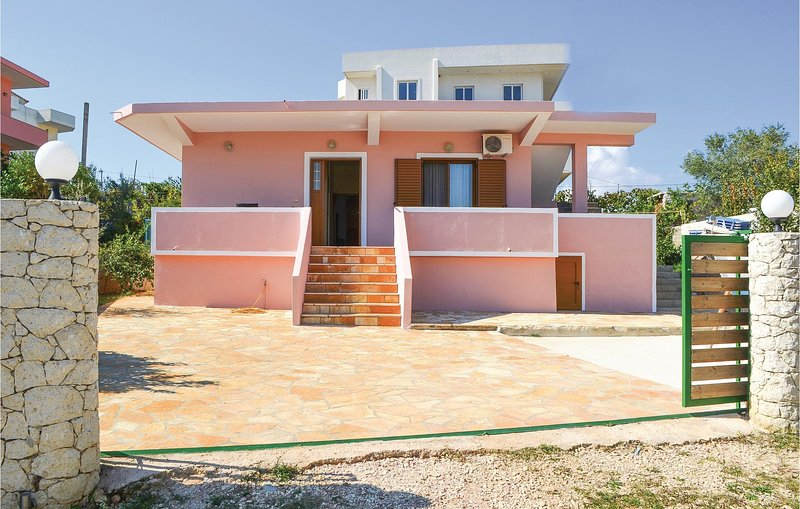 Awesome home in Ksamil w/ 2 Bedrooms (ALS128), holiday rental in Saranda