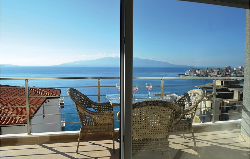 Nice home in Sarande w/ WiFi and 2 Bedrooms (ALS181), holiday rental in Saranda