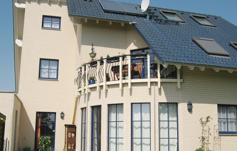 Nice home in Putbus with WiFi and 2 Bedrooms (DMR107), casa vacanza a Lauterbach