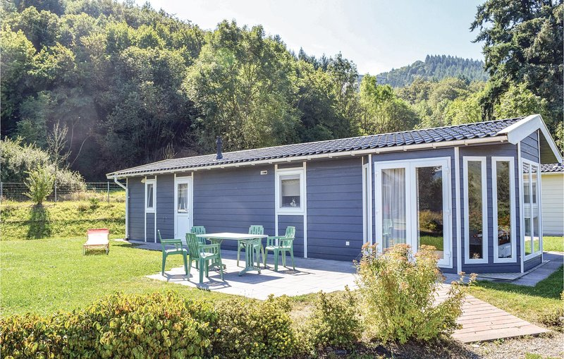 Stunning home in Riol with WiFi and 2 Bedrooms (DMO101), holiday rental in Trier