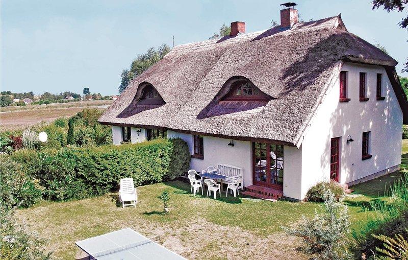 Stunning home in Neuenkirchen/Ot Sylvin with 3 Bedrooms (DMR147), location de vacances à Neuenkirchen