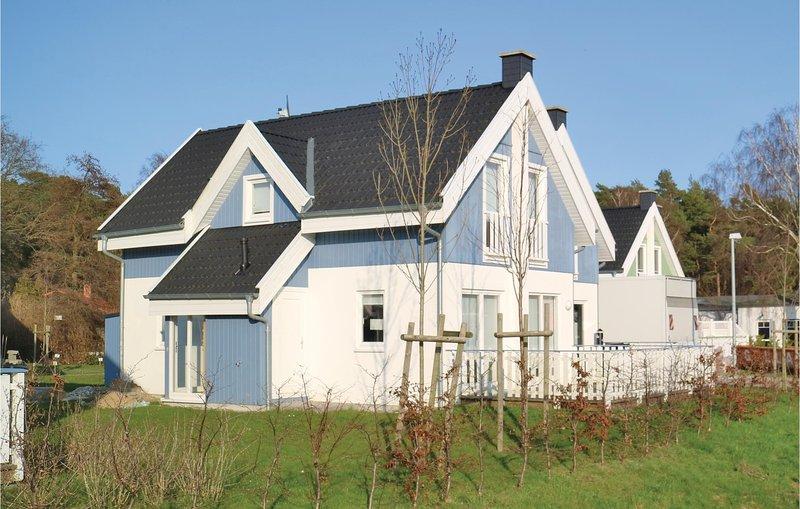 Nice home in Breege/Juliusruh with Sauna, WiFi and 2 Bedrooms (DMR306), casa vacanza a Juliusruh