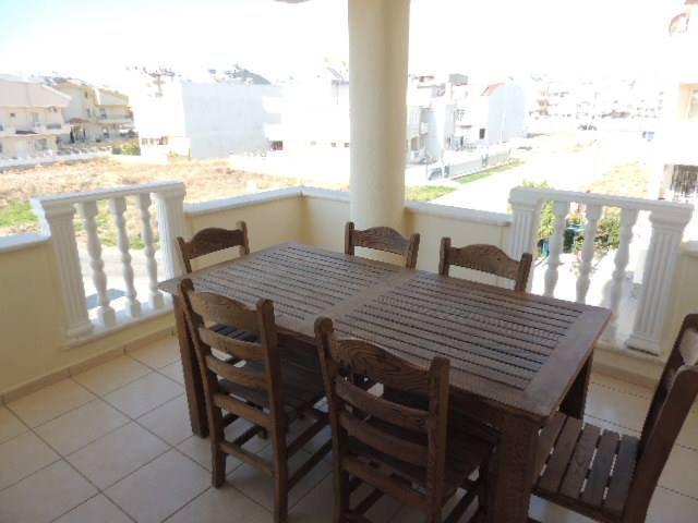 Luxury 3 beds + 3 bath duplex apt (LD), sea view + balconies, location de vacances à Mavisehir