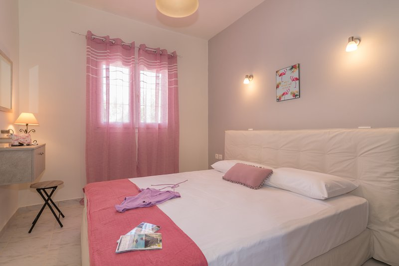 Asante Group Holiday Homes - Andromeda Standard Double Room, vacation rental in Tsilivi (Planos)