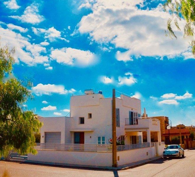 Wundervolles Chalet mit Pool und Dachterrasse in Laufentfernung zum Es Trenc!!!, location de vacances à Sa Rapita