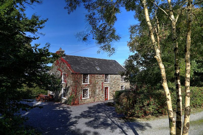 Carbery House 1, Durrus, Co. Cork - Four Bedrooms Sleeps 8 - Carbery House 1 I R, holiday rental in Durrus