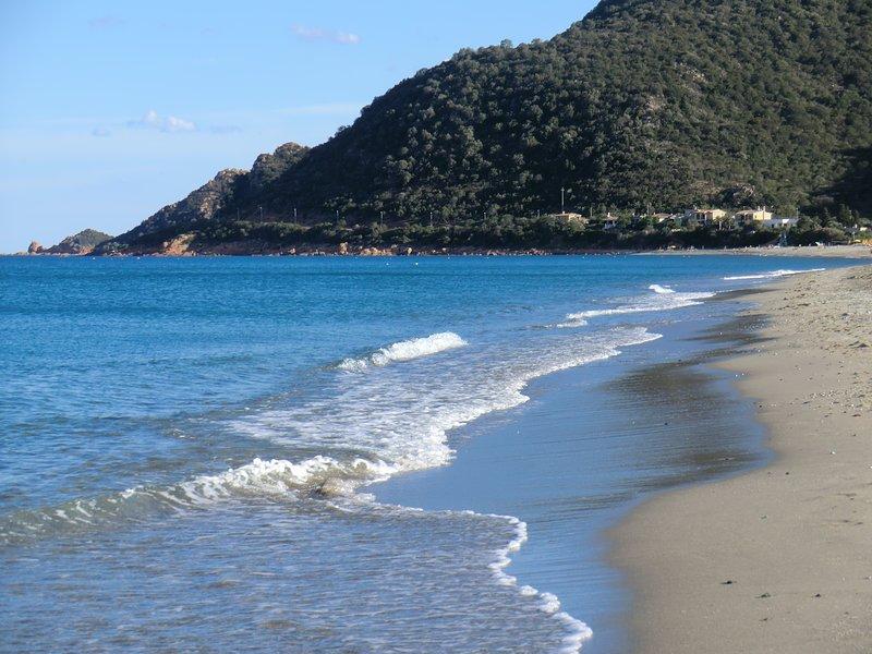Appartamento nel centro di Bari Sardo, pluriaccessoriato a 3 km dal mare, casa vacanza a Loceri