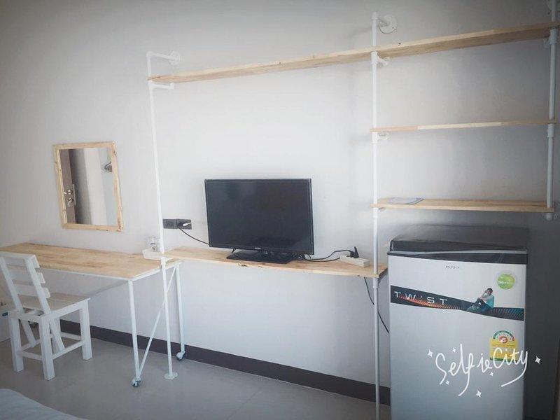 Rinrada Loft Resident (Apartment w/Balcony 1) – semesterbostad i Ban Tha Kradat