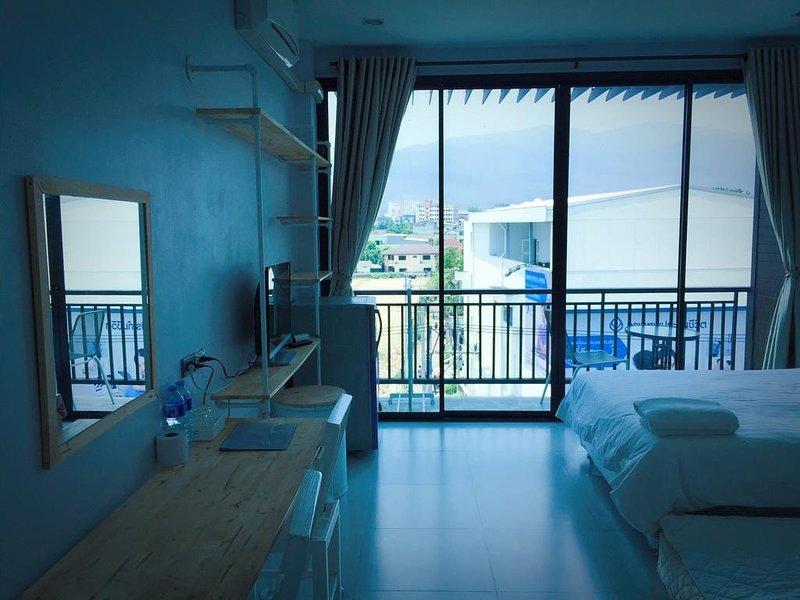 Rinrada Loft Resident (Apartment w/Balcony 5) – semesterbostad i Ban Tha Kradat