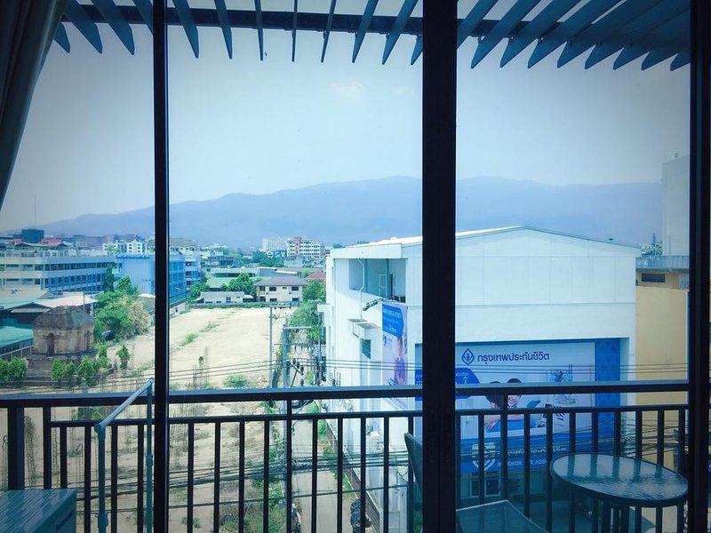 Rinrada Loft Resident (Apartment w/Balcony 6) – semesterbostad i Ban Tha Kradat