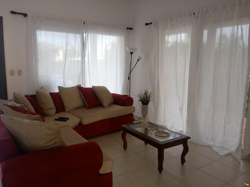 Hermoso apartamento estilo villa, holiday rental in Bavaro