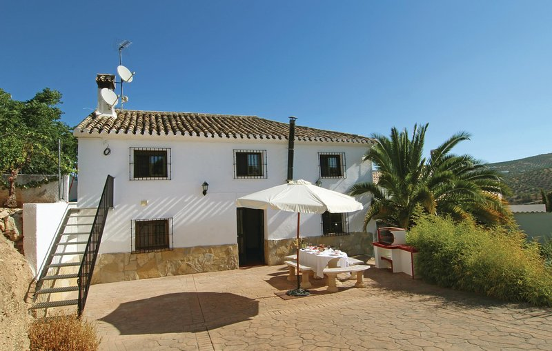 Beautiful home in Sileras-Almedinilla with WiFi and 6 Bedrooms (EAC093), holiday rental in Almedinilla