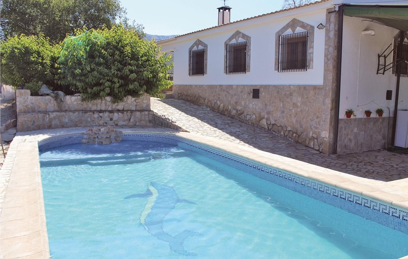 Beautiful home in Montefrio with 4 Bedrooms (EAC164), holiday rental in Huetor Tajar