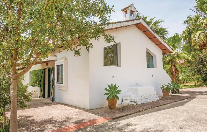 Awesome home in Arcos de la Frontera with WiFi and 2 Bedrooms (EAC205), holiday rental in Arcos de la Frontera