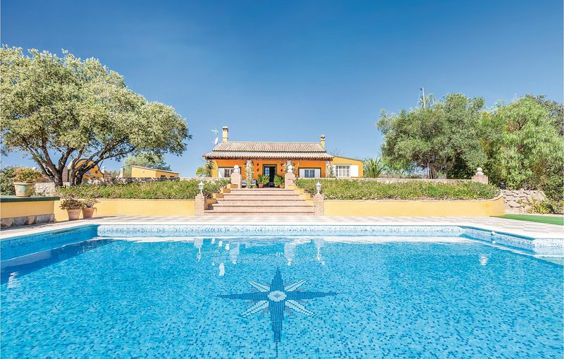 Beautiful home in Constantina with 4 Bedrooms (EAC238), vacation rental in Constantina