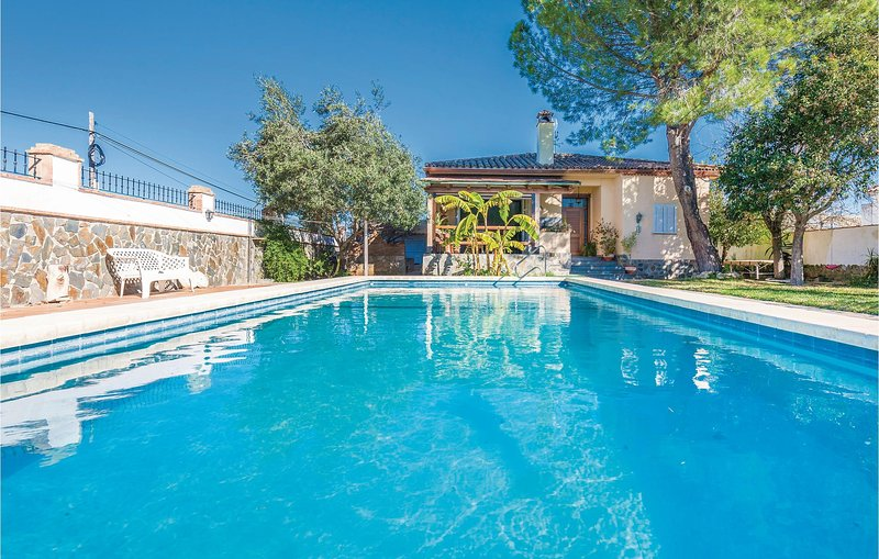 Stunning home in Arcos de la Frontera with 4 Bedrooms (EAC252), holiday rental in Arcos de la Frontera