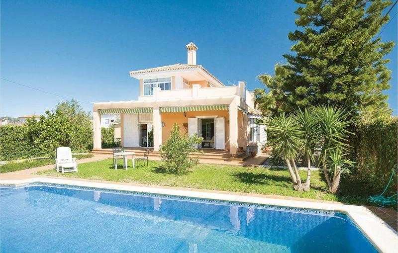 Nice home in Arcos de la Frontera with WiFi and 4 Bedrooms (EAC267), holiday rental in Arcos de la Frontera
