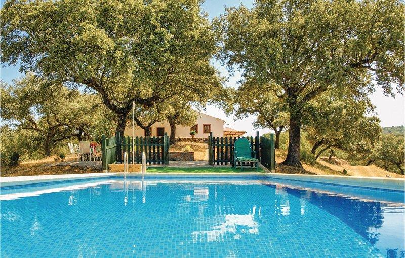 Beautiful home in Villaviciosa de Córdo. with WiFi and 4 Bedrooms (EAC276), holiday rental in Almodovar del Rio