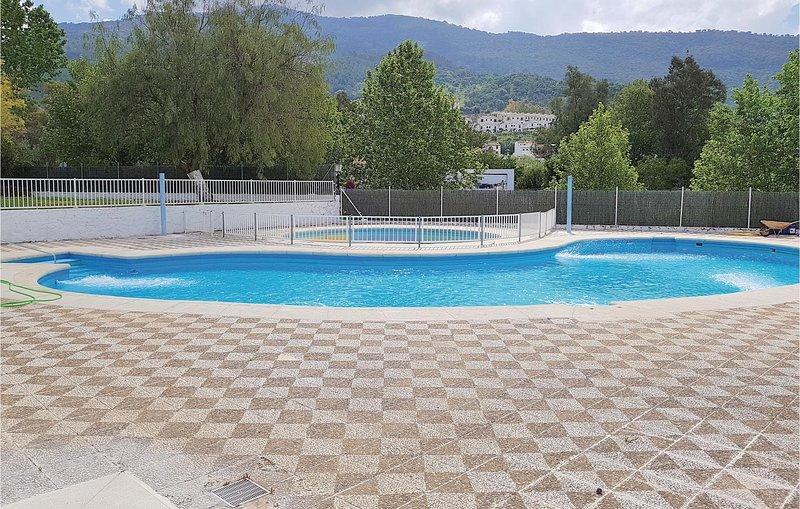 Amazing home in El Bosque with 3 Bedrooms (EAC281), alquiler vacacional en El Bosque