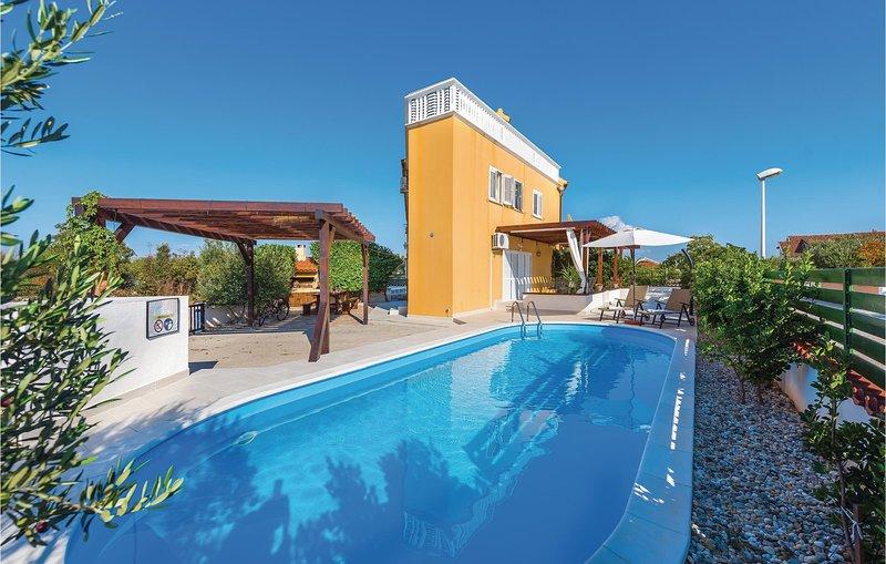 Stunning home in Jadrija with WiFi and 4 Bedrooms (CDV020), holiday rental in Jadrija