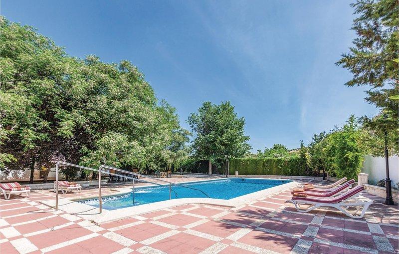 Nice home in Priego de Córdoba with 4 Bedrooms (EAC329), holiday rental in Almedinilla