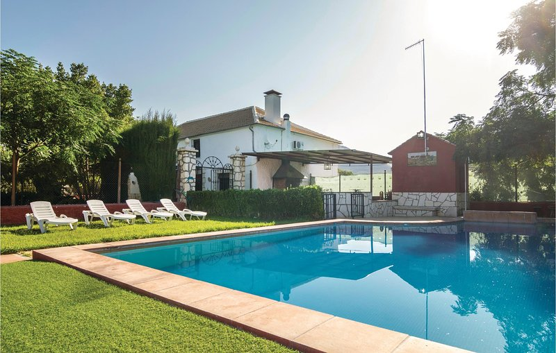 Beautiful home in Carcabuey with 7 Bedrooms and Outdoor swimming pool (EAC334), alquiler vacacional en Cabra