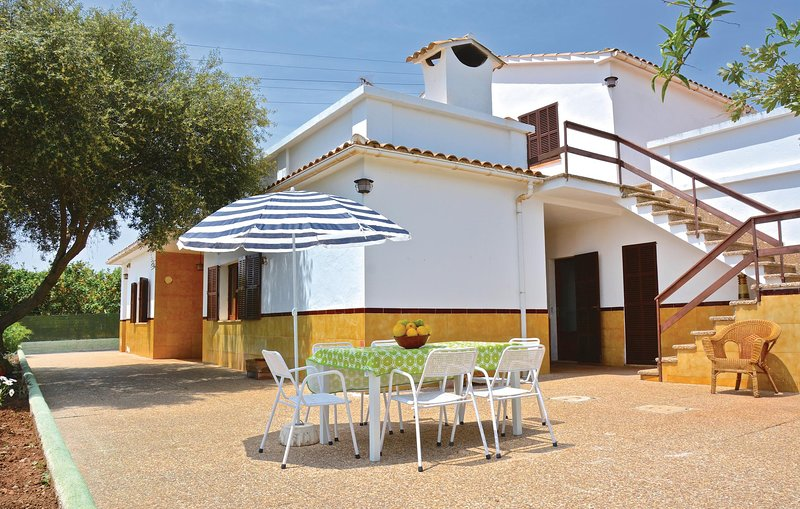 Awesome home in Porto Cristo w/ 3 Bedrooms Chalet in Porto Cristo