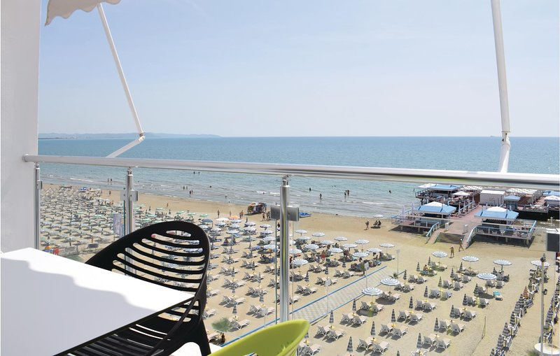 Beautiful home in Durres w/ WiFi and 1 Bedrooms (ALD117), holiday rental in Kryemëdhej