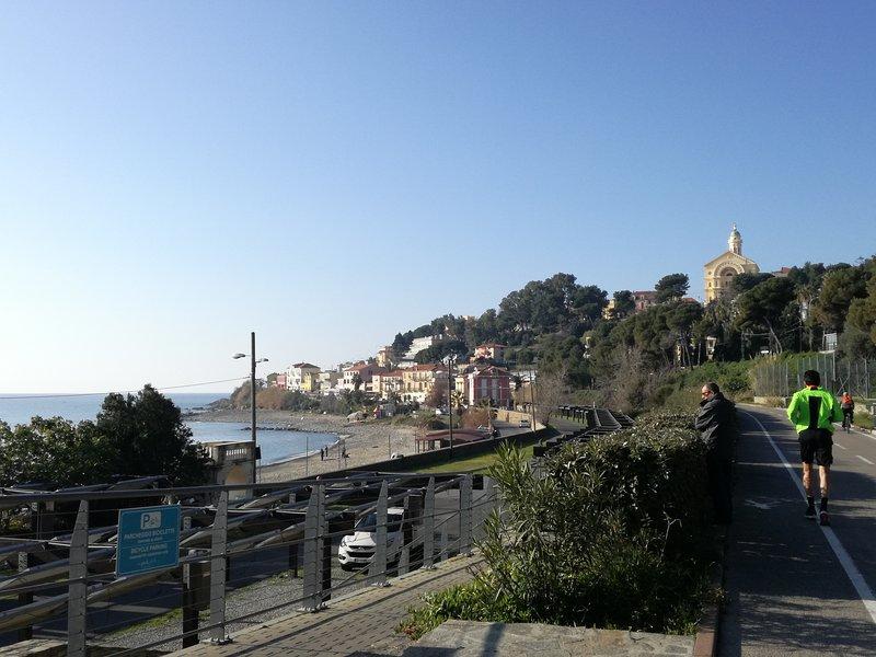 Monolocale nuovo, 3 min a piedi dal mare 008055-LT-0395, alquiler vacacional en Sanremo