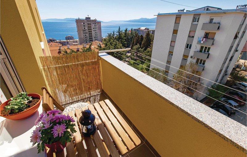 Nice home in Rijeka with WiFi and 1 Bedrooms (CKO787), alquiler de vacaciones en Marinići