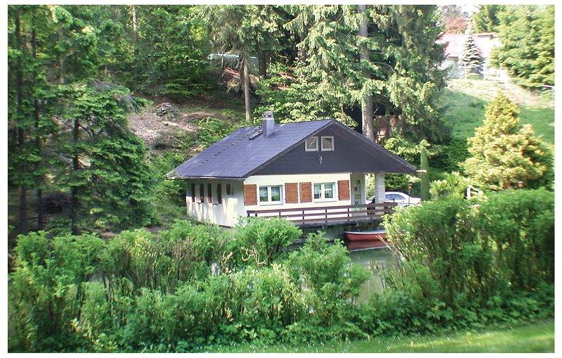 Stunning home in Nahetal-Waldau with Sauna and 3 Bedrooms (DTH111), casa vacanza a Waldau