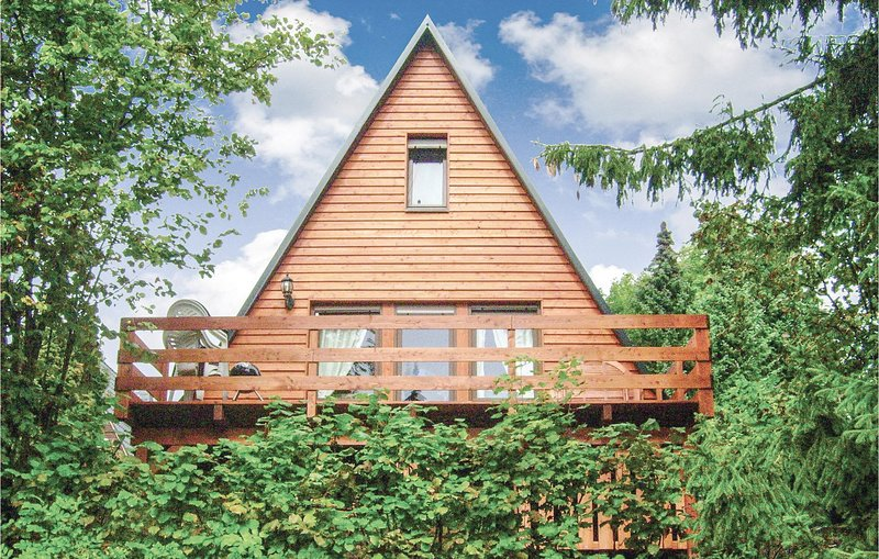 Beautiful home in Bad Lobenstein with 2 Bedrooms (DTH143), holiday rental in Blankenstein