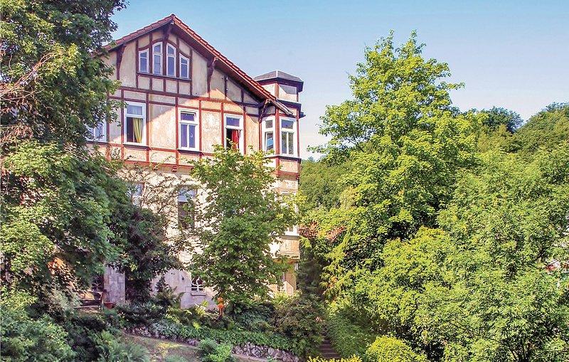 Beautiful home in Eisenach with WiFi and 3 Bedrooms (DTH199), aluguéis de temporada em Eschwege
