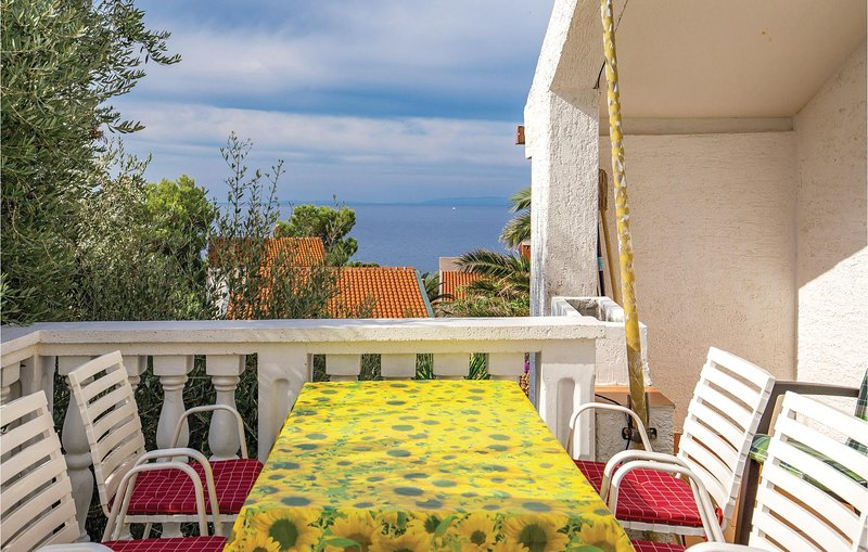 Beautiful home in Potocnica with WiFi and 2 Bedrooms (CKP267), aluguéis de temporada em Potocnica