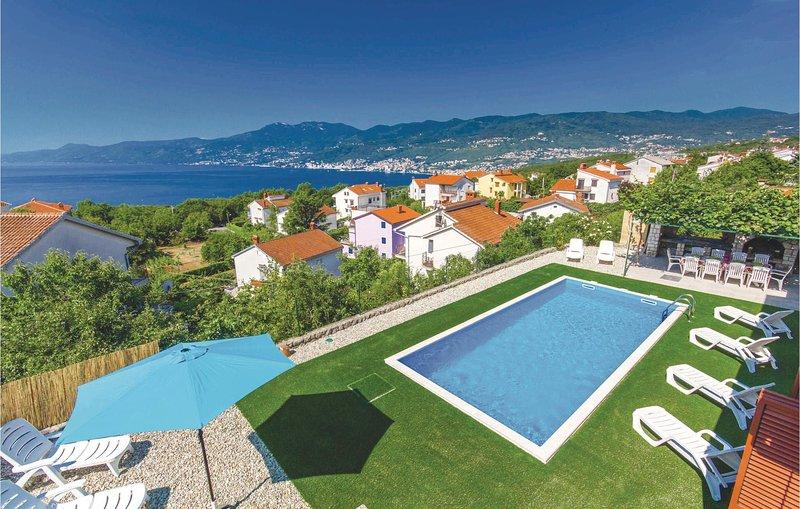 Beautiful home in Rijeka with WiFi and 5 Bedrooms (CKO450), casa vacanza a Kastav