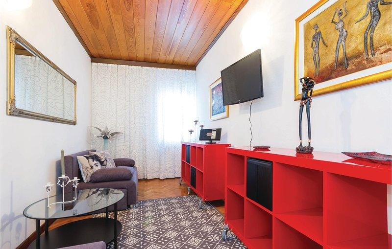 Beautiful home in Rijeka with WiFi and 2 Bedrooms (CKO443), casa vacanza a Kastav