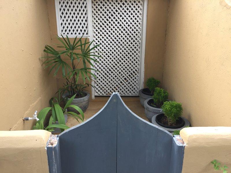 Garden Twin Room with Veranda, vakantiewoning in Tangalle