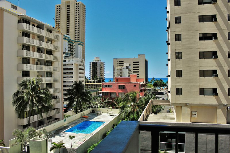 Affordable family condo for the price of studio, vacation rental in Honolulu