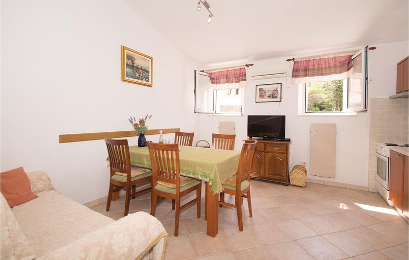 Beautiful home in Racisce with 2 Bedrooms (CDS471), holiday rental in Racisce