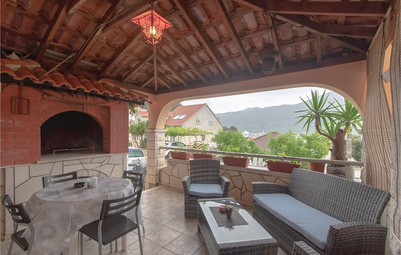 Amazing home in Korcula with WiFi and 1 Bedrooms (CDS620), casa vacanza a Medvinjak