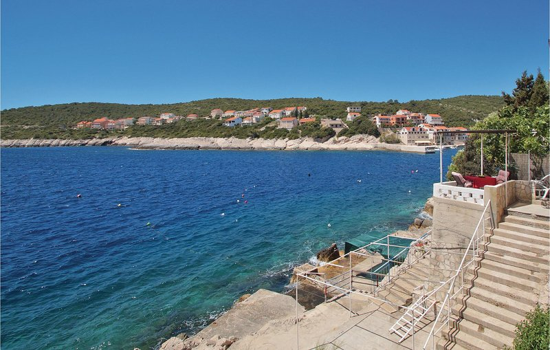 Awesome home in Zavalatica with WiFi and 1 Bedrooms (CDS688), holiday rental in Cara